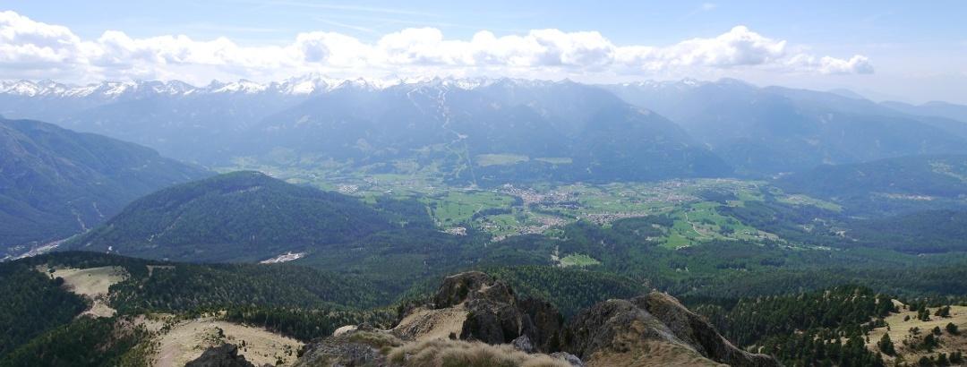 Aussicht vom Il Palone auf das Fleimstal und die Lagoraikette