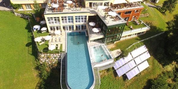 Skypool Montafon von oben--ferienhotel-fernblick©J