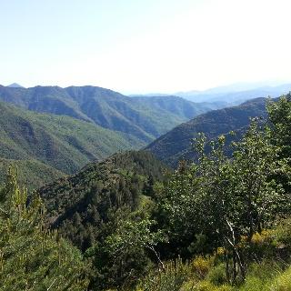 Malerische Ausblicke auf das Hinterland Liguriens