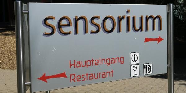 Eingang zum Sensorium.