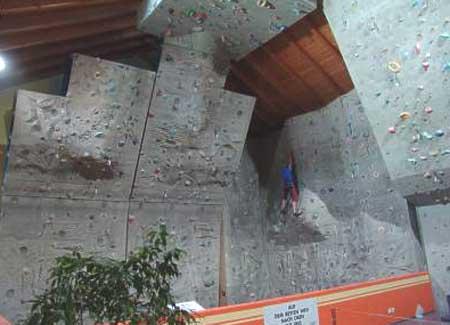 Kletterhalle des DAV in Peißenberg ()