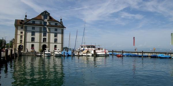 Hafen und Kornhaus in Rorschach.