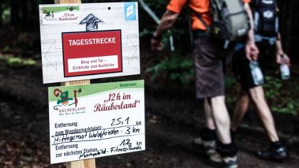 sehr gut ausgeschilderte Wegeführung (12h im RÄUBERLAND 2016)