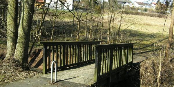 Brücke am Rad und Fußweg Frankelbach