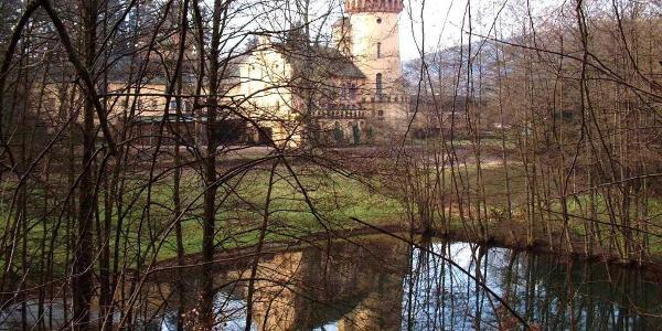 Burg Heid im Herbst