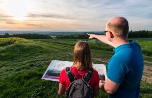 Blick bis in die Eifel(Foto: Klaus-Peter Kappest, Quelle: Projektbüro Saar-Hunsrück-Steig)