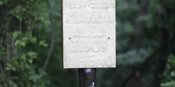 """Makrai """"Ales"""" Tibor emléktáblája"""
