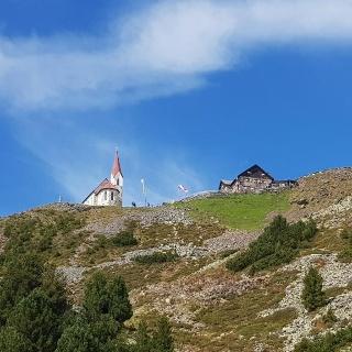 Latzfonser Kreuz mit Schutzhaus