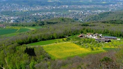 Blick vom Gempenturm nach Basel.