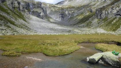 Keilbachmoos vor dem Felsenrund - Stagno Keilbachmoos di frente delle rocce
