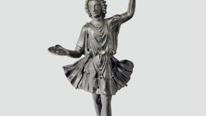 Statuette aus Bronze, die einen Laren darstellt