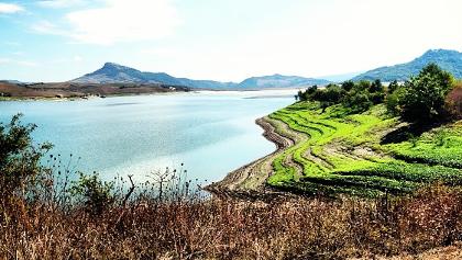 Der Lago di Conza bietet eine Vielzahl von Wanderwegen.