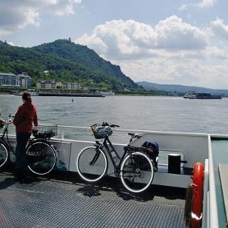 Rheinfähre zwischen Bonn-Mehlem und Königswinter