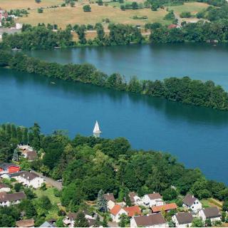 Luftbild des Rheins bei Augst