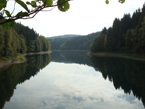 Vom Wasser haben wir's gelernt: Sauerland-Höhenflug-Rundweg in Meinerzhagen