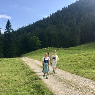 2nd Annual Tracht Hike