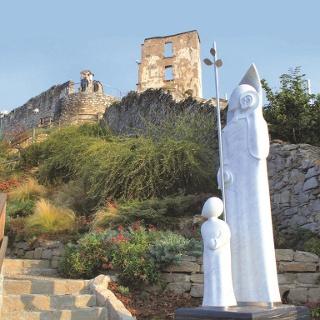 Burgruine Obervoitsberg  mit Josefsstatue