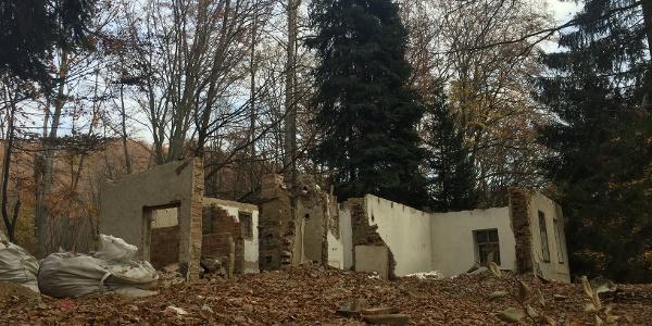A régi vadászház romja