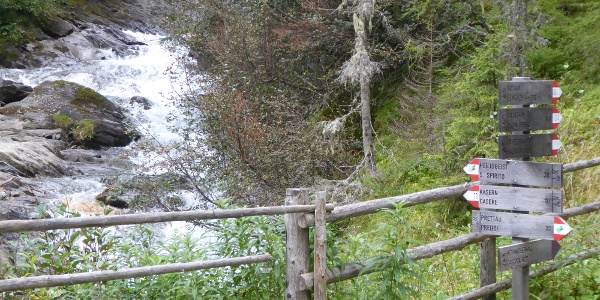 Brücke über den Rötbach
