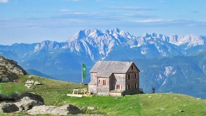 Hugo-Gerbers-Hütte im Sommer.