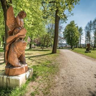 Schlosspark Greißenegg und Grafenteich: Motorsägen Skulptur