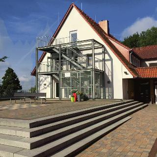 Jugendgästehaus Rödinghausen - Terrasse und Eingang