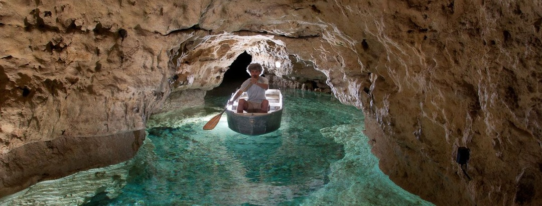 Csónakázás a karsztvízen (Tapolcai Tavasbarlang)