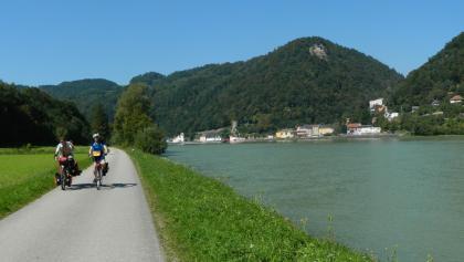 Donau-Radweg, gegenüber Sarmingstein