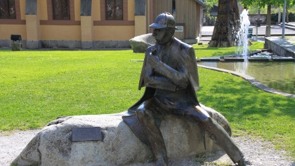 Sherlock-Holmes-Statue auf dem Conan Doyle Place.