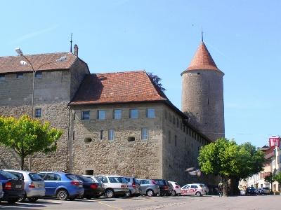 Romont fortifiée, avec vieille ville décorée