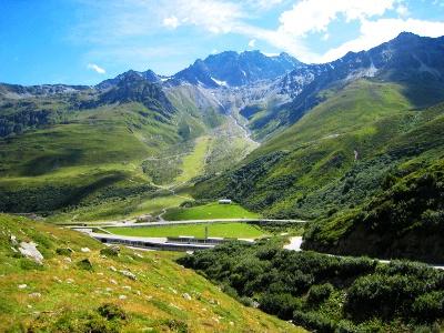 Entrée du tunnel près de Bourg-Saint-Bernard
