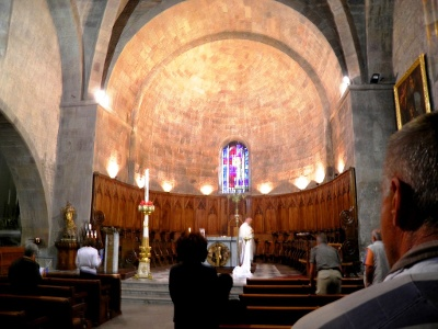 Fréjus: Sonntagsmesse vor dem Start