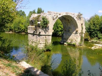 Restes d'un pont romain sur Le Virdoule