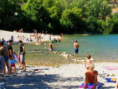 Badesee am Ausgang der Gorges d'Hérault