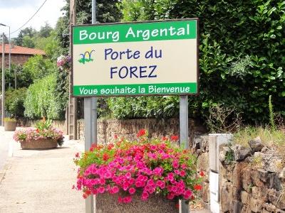 Arrivée à Bourg-Argental