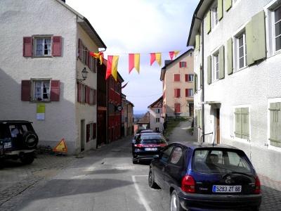 Ferrette: Alte Strasse vom Süden