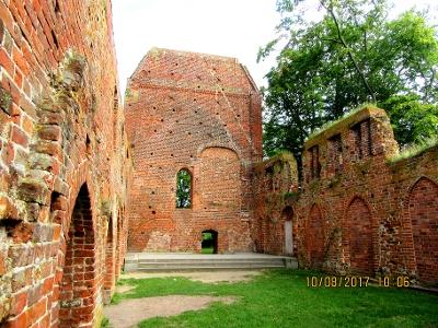 Gelände der Klosterruine Eldena