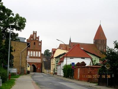 Grimmen Stralsunder Tor und St. Marien-Kirche