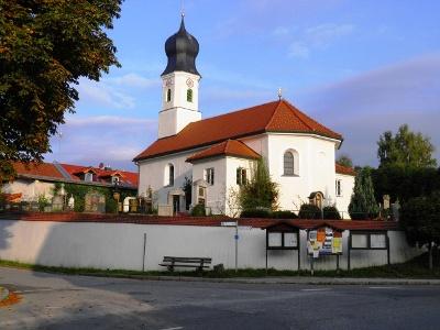 Neufahrn: Kirche