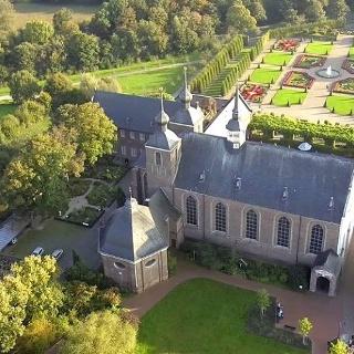 Klosteranlage Kamp mit Terrassengarten