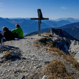 Rechts vom Kreuz Dachstein und Grimming