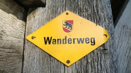 "Signalisation ""Berner Wanderweg"""