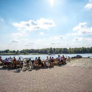 Pause am Rhein
