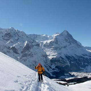Nahe der Grossen Scheidegg, weit unten Grindelwald.
