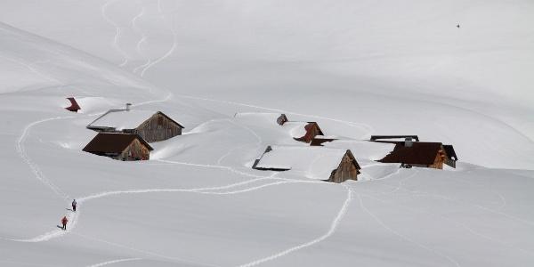 Die Alphütten von Oberläger.