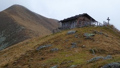 Hike to the Niedertaler Ochsenalm hut