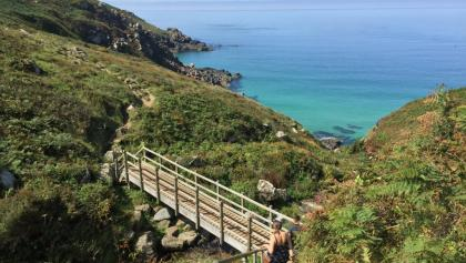 Passing Zennor Head