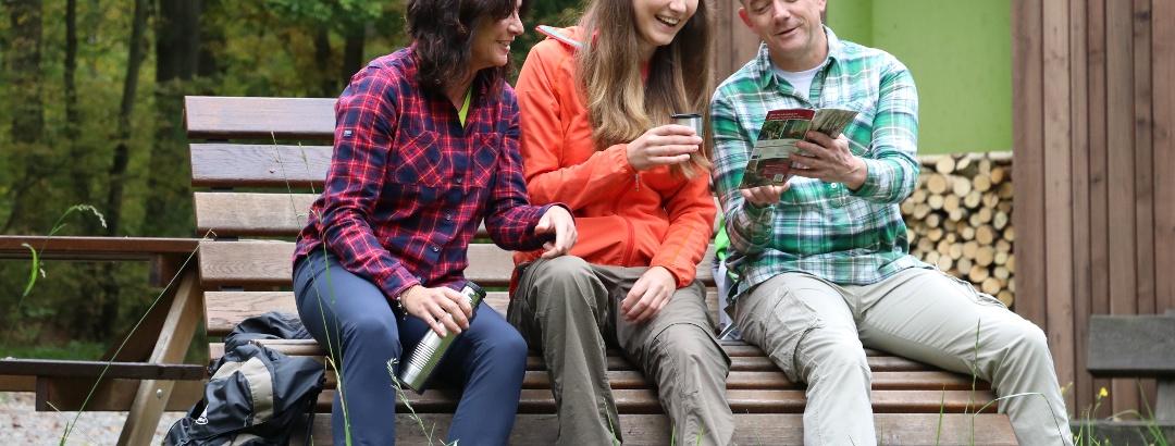 Pause und weitere Planung am Mittelwaldpavillon