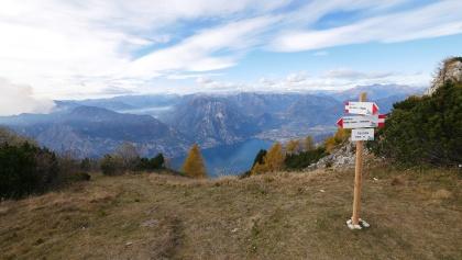 Blick vom Sentiero della Pace auf den Gardasee