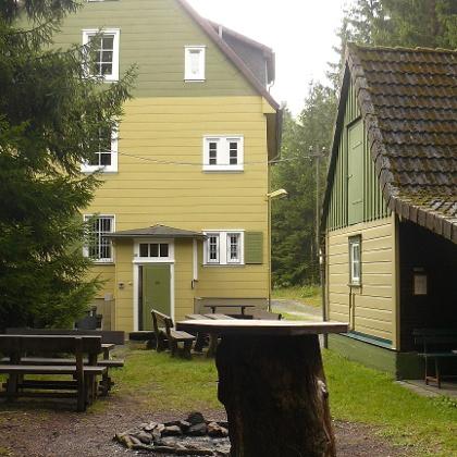 Lagerfeuer- und Grillplatz